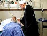 le président rouhani a rendu visite à l'ayatollãh khãmenei après son opération chirurgicale