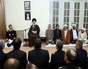le guide suprême a reçu les commandants et les responsables de la marine iranienne