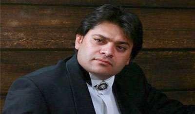 اجرای زنده غلامرضا صنعتگر در فرودگاه امام و واکنش مردم
