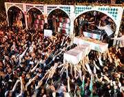 grandioses funérailles des martyrs de la défense sacrée