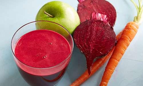 آب چغندر و سیب و هویج