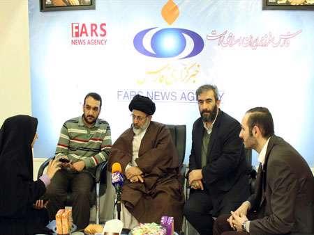 حضور حجت الاسلام آقامیری در غرفه خبرگزاری فارس