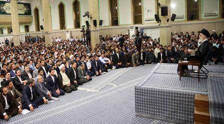 islam inkılabı rehberinin öğrencilere