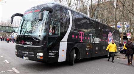 طفل يقود حافلة في ألمانيا دون أن ينتبه الركاب