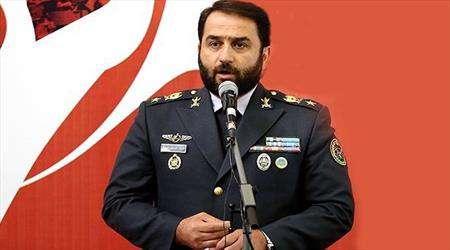 العميد اسماعيلي: الجيش والحرس الثوري يتنافسان في توفير الأمن لايران