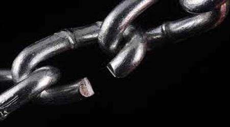 اگر شیاطین در زنجیر شده اند، چرا برخی گناهان صورت می گیرد؟