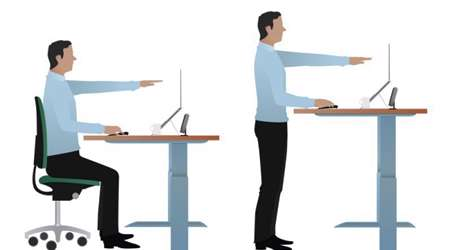 نشستن و ایستادن پشت میز