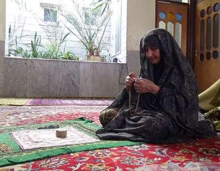 فرزندان شهیدم عاشق امام خمینی بودند