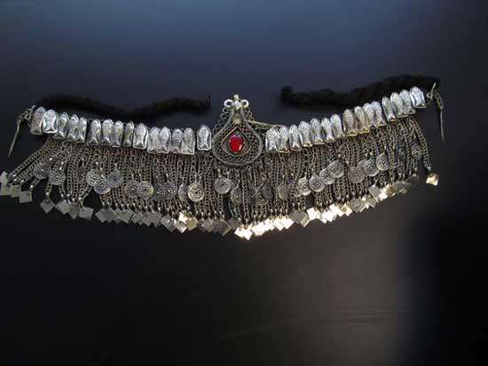 لباس های سنتی زنان و مردان هزاره