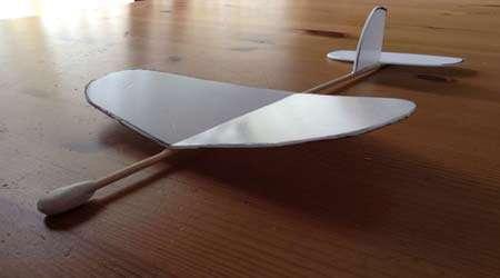 چگونه هواپیمای گلایدر بسازیم