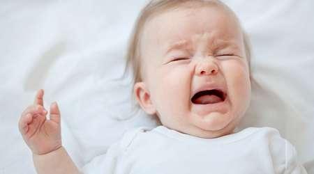 memahami penyebab bayi menangis