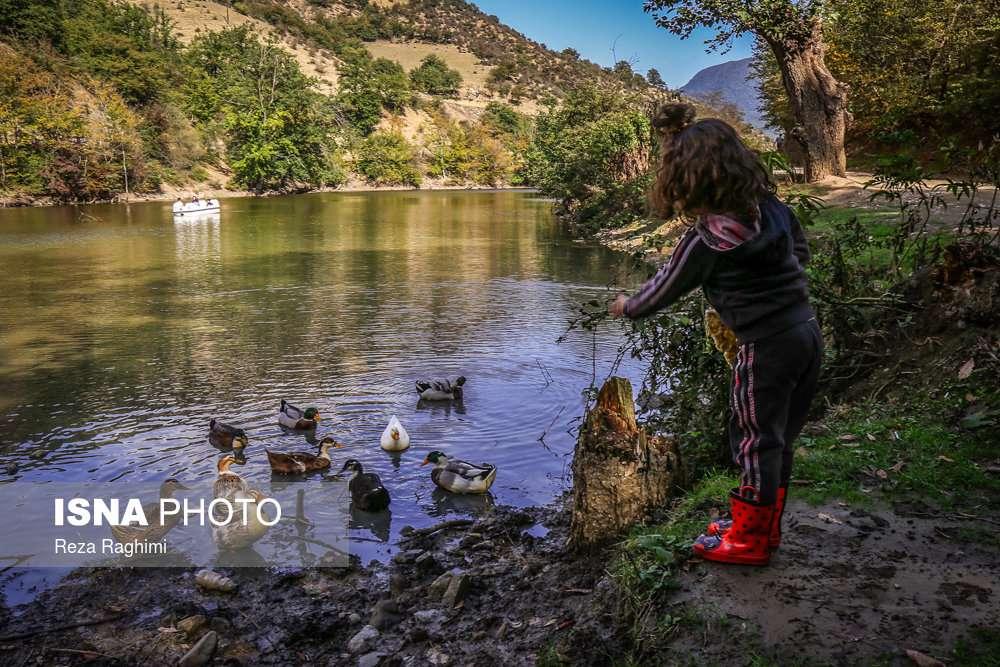معرفی دریاچه شورمست