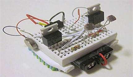 ساخت ربات نوریاب