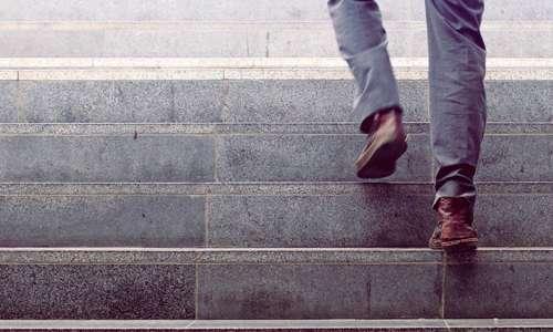 فواید و مضرات استفاده از پله/از پله استفاده کنیم یا نه؟