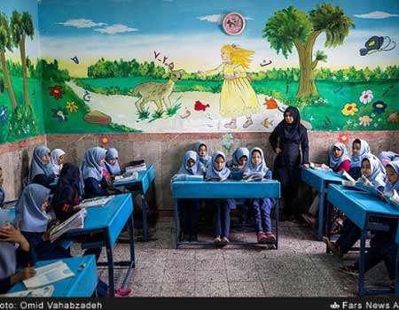 اكثر من نصف اللاجئين الافغان في ايران يعرفون القراءة والكتابة
