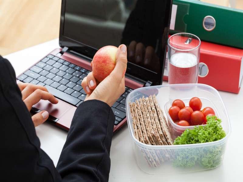 نتیجه تصویری برای مواد غذایی مفید برای مشاغل کم تحرک