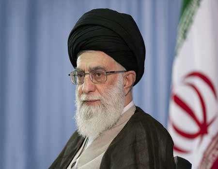 الإمام الخامنئي: نخوض حرب أمنية قويّة ضد جبهة واسعة من الاعداء
