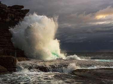ثبت لحظاتی زیبا از خشم دریا