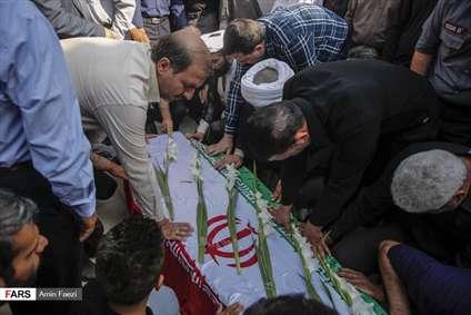 تشییع پیکر شهید مدافع امنیت در شیراز