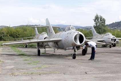 قبرستان جنگندههای قدیمی MIG شوروی