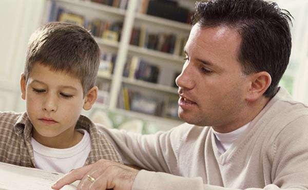 4 اشتباه تحصیلی که والدین مرتکب می شوند