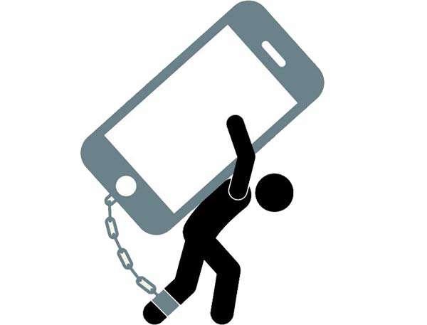 15 آسیب سنگین تلفن همراه در زندگی دانش آموزان