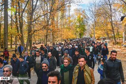 کاروان پیاده زائران مشهد مقدس