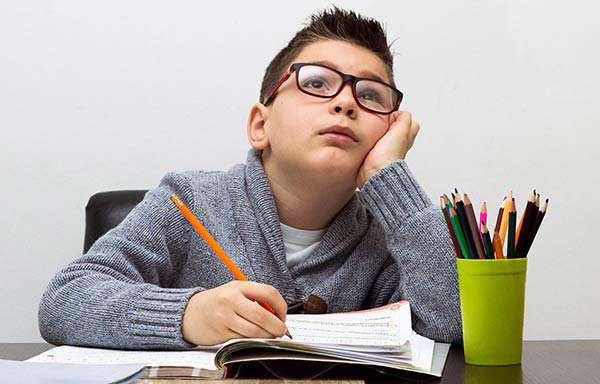 پنج چیزی که نباید درباره تکالیف به کودکان بگوییم