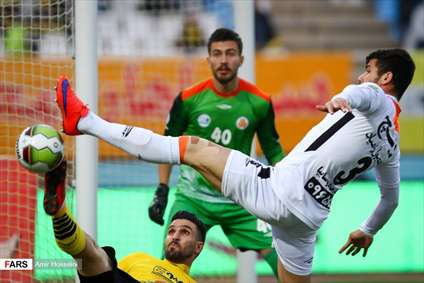 لیگ برترفوتبال سپاهان ۳ ـ سایپا ۰