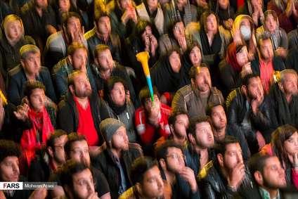 تماشای دیدار پرسپولیس و کاشیما در پارک لاله