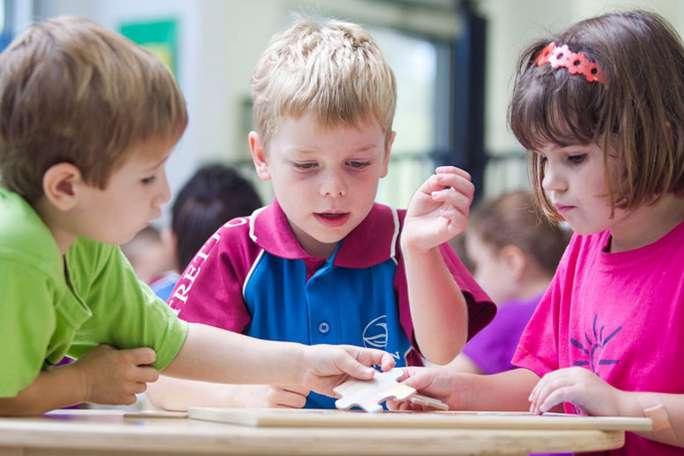پازل، کودک، اعتماد به نفس، حافظه،مهارت های حرکتی، خانواده ایرانی، کودک