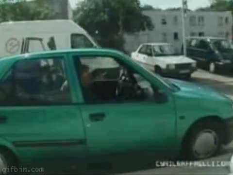 شیوه ی حرفه ای سوار ماشین شدن