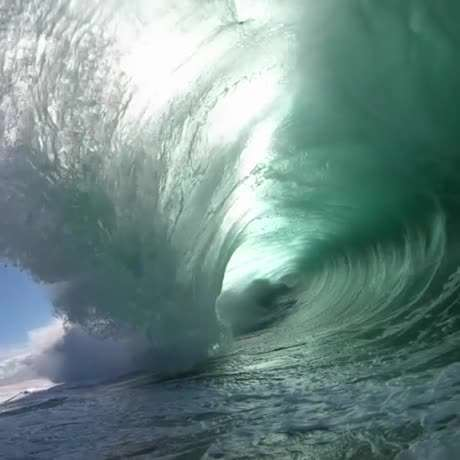 یه موج کامل رو دیده بودین؟!!