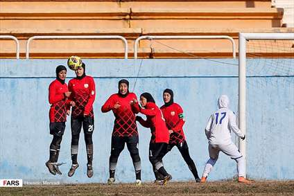 ليگ برتر فوتبال بانوان، آذرخش ۰ - ملوان ۸
