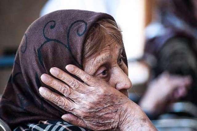 سالمندان، نوجوانان،سکوت، افسردگی، بیماری، ترحم، شوخی، آزادی، بدرفتاری، سالمند
