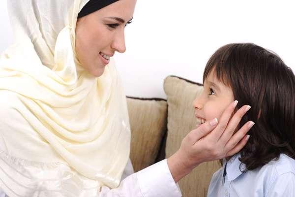 کودکان، توضیح دادن، بزرگسالان، شکلات،صحبت کردن، کودک، خانواده ایرانی، تربیت کودک