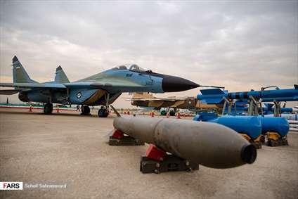 هواپیمای جنگنده با تسلیحات