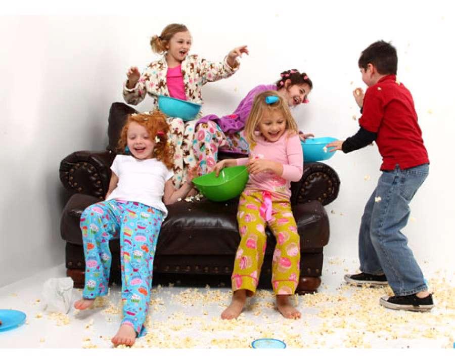 مهمانی رفتن کودکان