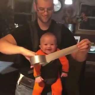 خنده زیبای کودکانه