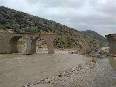 وضعیت پلی که دو سال پیش افتتاح شده بود و در سیل لرستان فروریخت