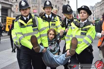 دستگیری فعالان محیط زیست در لندن