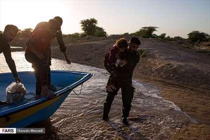 امداد رسانی سپاه پاسداران به روستاهای بُسْتان