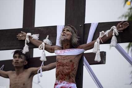مراسم زنجیرزنی خونین مسیحیان