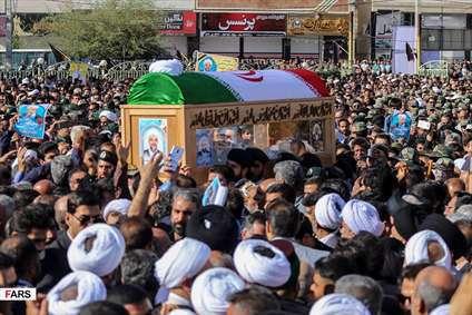 مراسم تشییع امام جمعه شهید کازرون