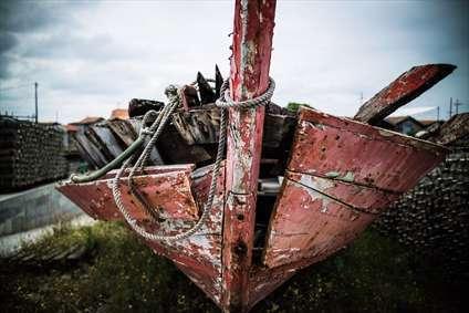 قایق شکسته