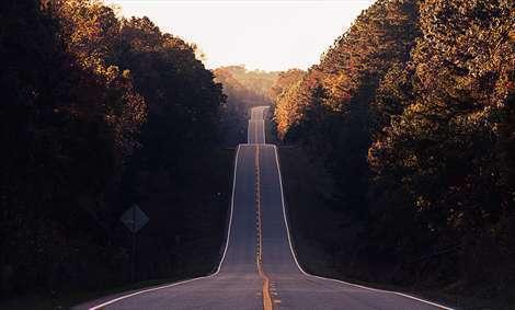 جاده در غروب