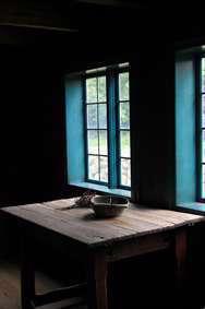 میز کنار پنجره