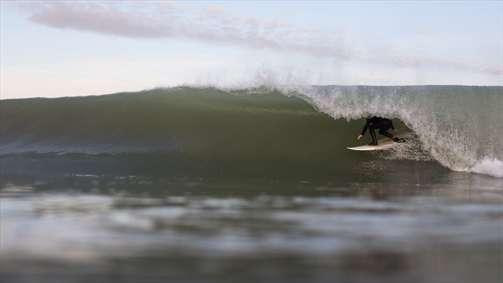 حفره ی موج آب