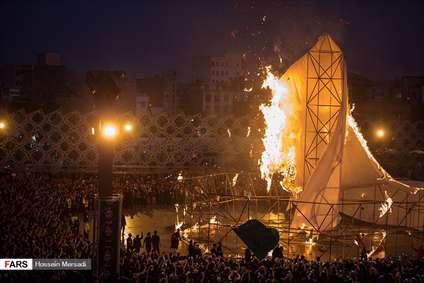 خیمه سوزان عظیم غروب عاشورا در میدان امام حسین (ع)