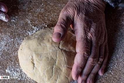 نذر« نان محلی » در لاسْجِرد